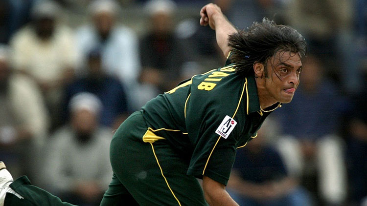 Top 10 Fastest Bowlers in International Cricket History