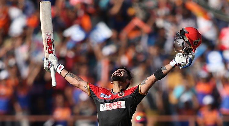Kohli managed hitting sixes on first 2 balls of an IPL game