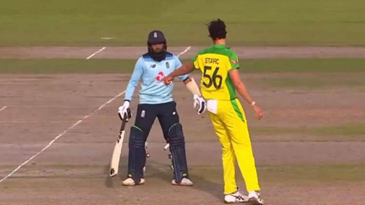 Mitchell Starc warns Adil Rashid during 3rd ODI