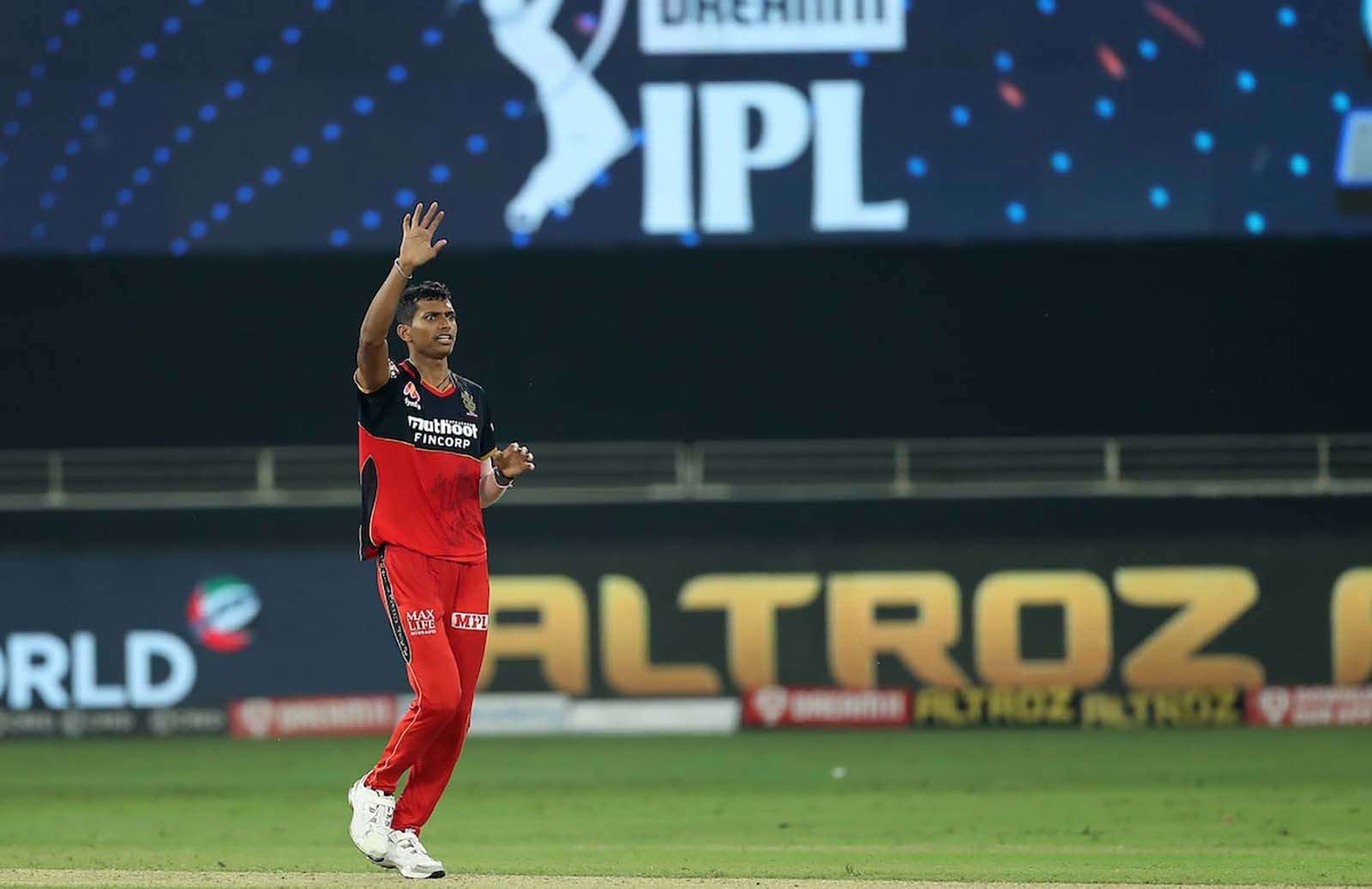 """""""One should never trust RCB's death-over bowling in his life,"""" says Virender Sehwag"""