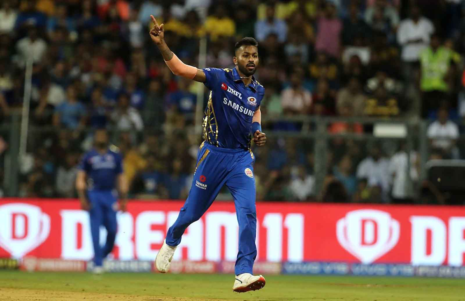 """""""We have to listen to his body,"""" Zaheer Khan on When Hardik Pandya will bowl for MI in IPL 2020"""
