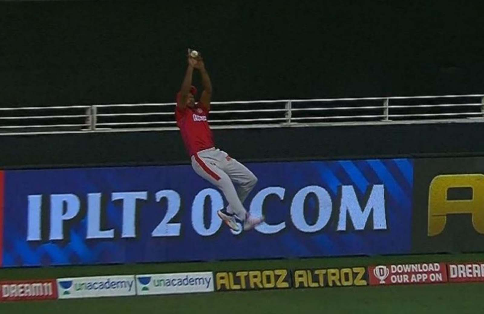 Mayank Agarwal Turns Superman And Saves Runs For KXIP against MI In Super-Over
