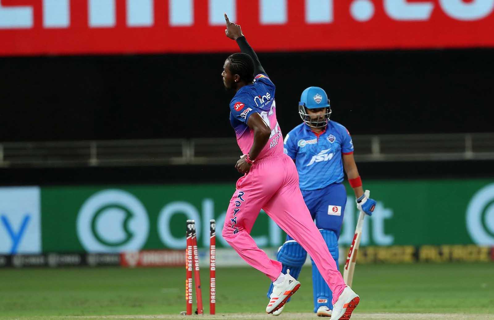 Jofra Archer Celebrates Prithvi Shaw's Wicket With Bihu Dance Against DC