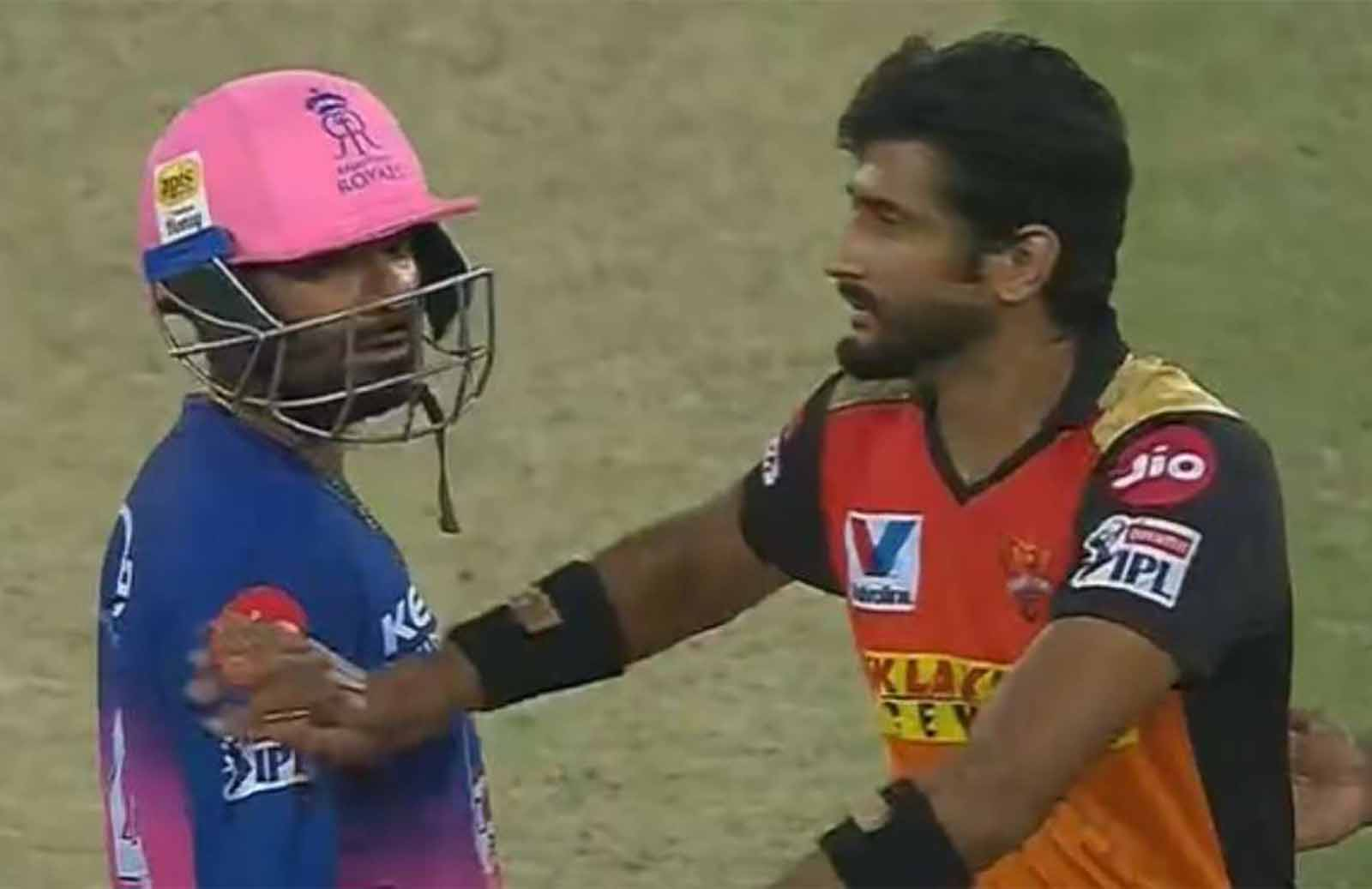 Rahul Tewatia loses His Control In a Heated Exchange With Khaleel Ahmed