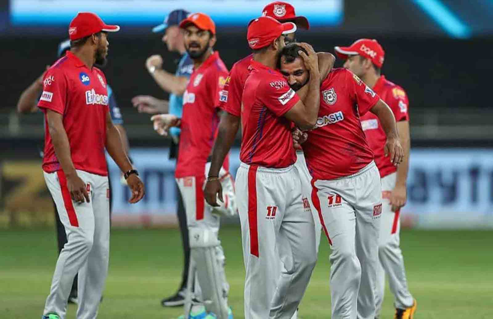 """""""He Wanted To Bowl Six Yorkers In Super Over,"""" KL Rahul Lauds Mohammed Shami's Confidence"""