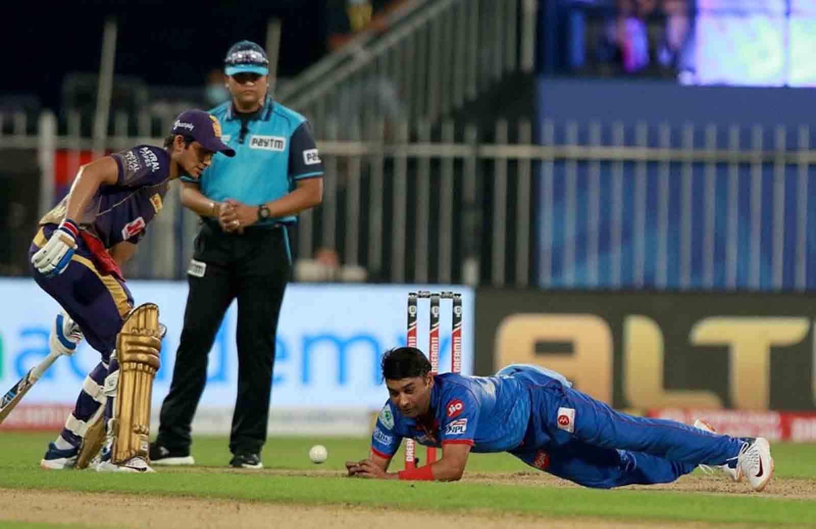 DC leg-spinner doubtful for RCB game due to finger injury