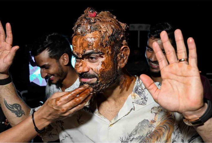 Watch: Virat Kohli Celebrates His 32nd Birthday, RCB Players Smear cake on Skipper's face, Video Went Viral