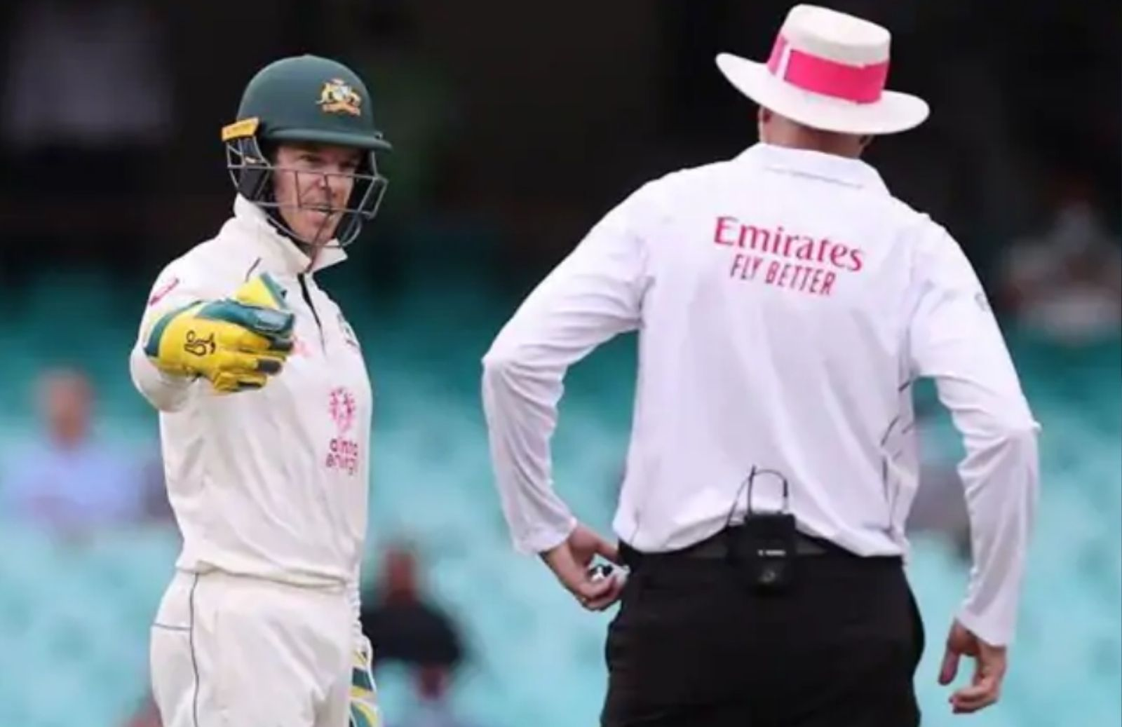 WATCH_-Tim-Paine-Calls-R-Ashwin-d__khead'-Stump-Mic-Catches-His-Voice-Clip-Gets-Viral-On-Social-Media-2